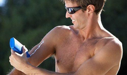 Kem chống nắng cho nam da dầu loại nào tốt?