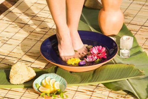 Cách trị nứt gót chân tự nhiên hiệu quả nhất