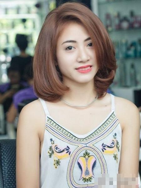 Các kiểu tóc ngang vai cho tuổi 40 trẻ trung so với tuổi thật 3