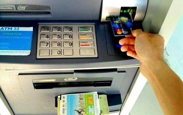Rút tiền thẻ tín dụng ACB