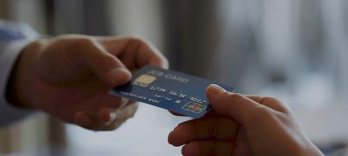 Thời gian làm thẻ tín dụng